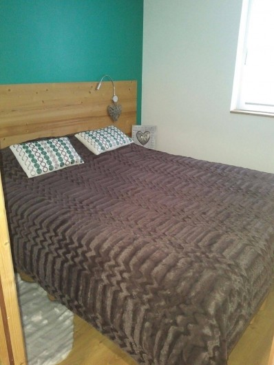 Location de vacances - Appartement à Les Deux Alpes - Chambre lit 160 séparable en 2 lits 80/200 et TV coté nord, salle douche et WC