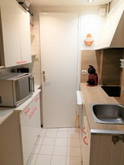 Location de vacances - Appartement à Le Mont-Dore - Cuisine : cafetière Doce-gusto. lave-vaisselle.