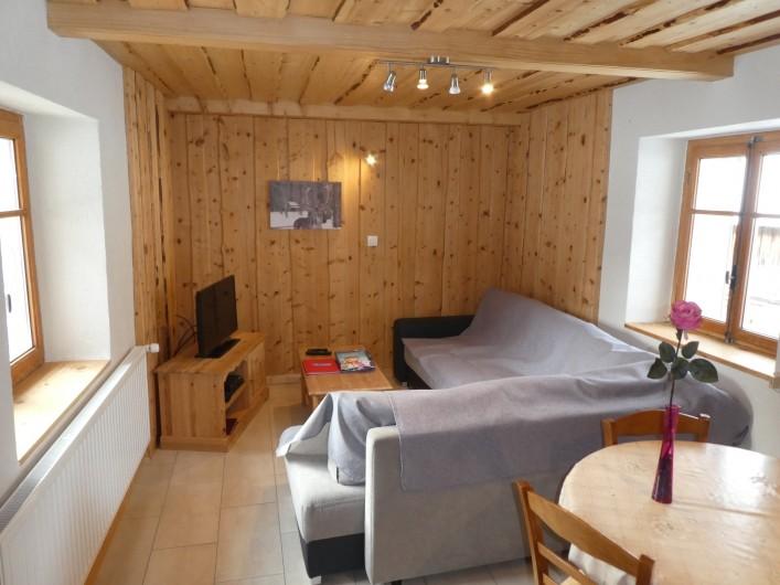 Location de vacances - Chalet à Bellevaux - Séjour ,salon