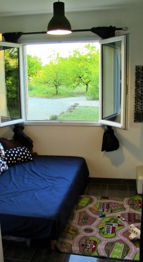 Location de vacances - Villa à Lalbenque - LOTus, salle de jeu avec lit (140cm)