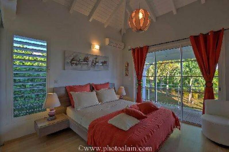 Location de vacances - Villa à Sainte-Anne - Chambre orange lit 160 x 200