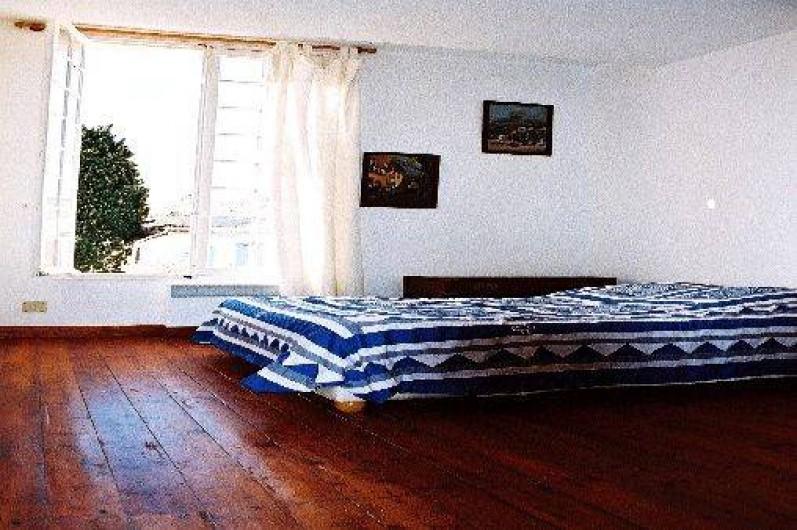 Location de vacances - Villa à Hyères - CHAMBRE 2 VUE SUR LE JARDIN