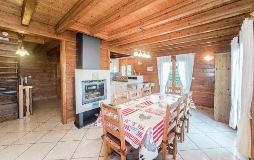 Location de vacances - Chalet à Anould - salle à manger avec cheminée