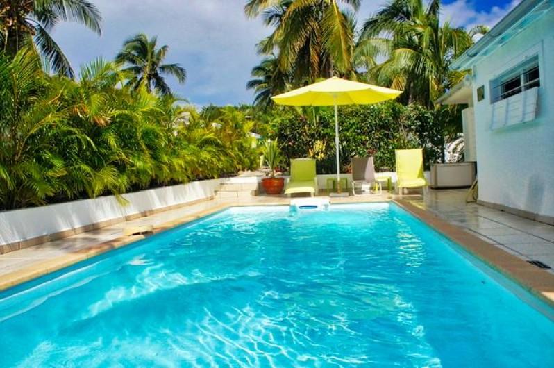 Location de vacances - Villa à Saint-François - Salle de bains : douche italienne, double vasques, Wc