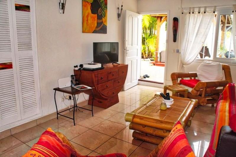 Location de vacances - Villa à Saint-François - Chambre 3 climatisée + ventilateur plafonnier : lit baldaquin 140cm