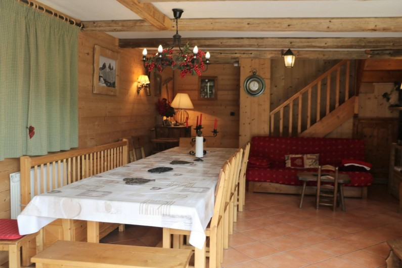 Location de vacances - Chalet à Saint-Jean-d'Arves - Rdc table repas