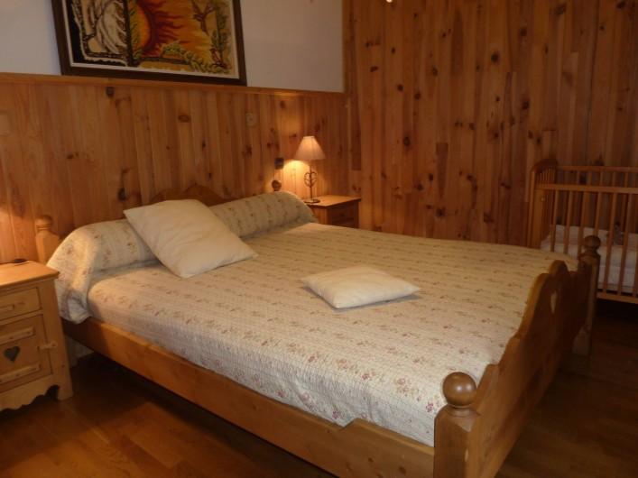 Location de vacances - Chalet à Saint-Jean-d'Arves - chambre 1