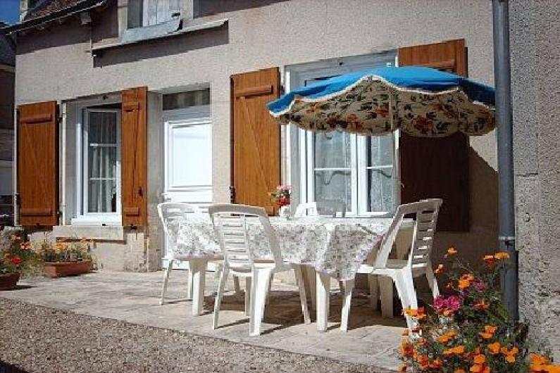 Location de vacances - Gîte à Pontlevoy - la terrasse ensoleillée des Jonquilles