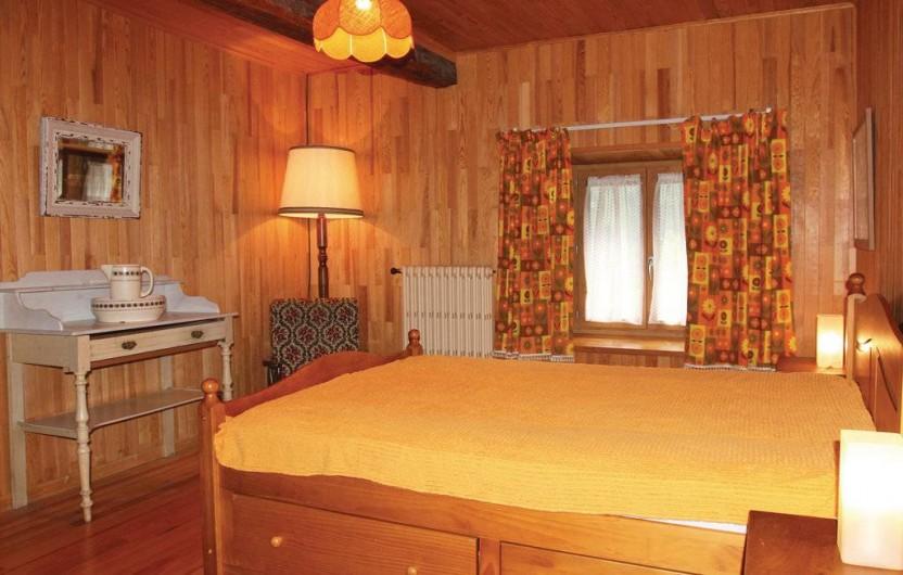 Location de vacances - Appartement à Le Monêtier-les-Bains - Chambre jaune   1 lit double