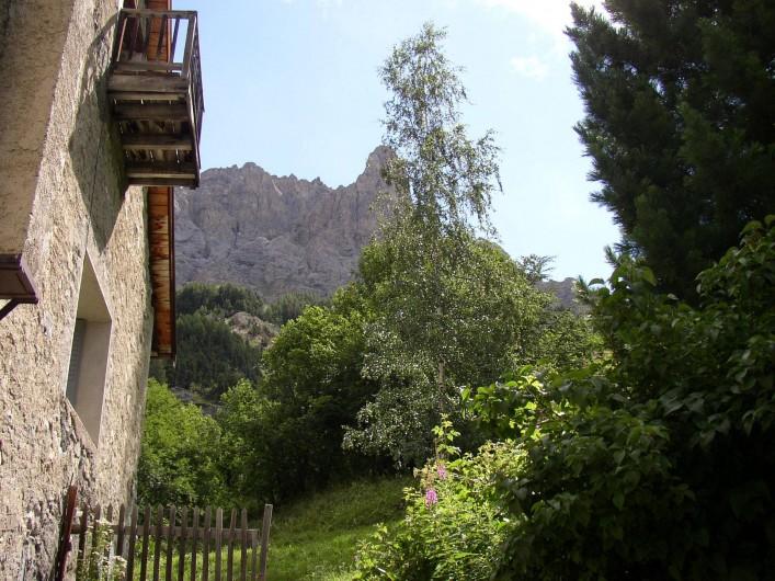 Location de vacances - Appartement à Le Monêtier-les-Bains - la maison coté sud