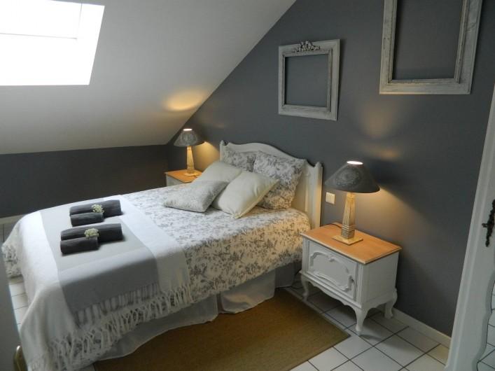 Location de vacances - Gîte à Baume-les-Messieurs - Chambre sur les toits.