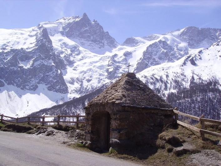 Location de vacances - Studio à La Grave - oratoire du Chazelet