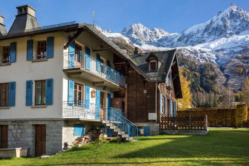 Location de vacances - Chalet à Chamonix-Mont-Blanc - Façade Ouest du chalet