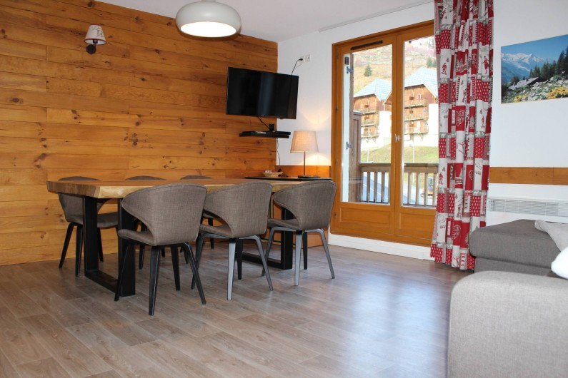Location de vacances - Appartement à Saint-Sorlin-d'Arves - Grand séjour
