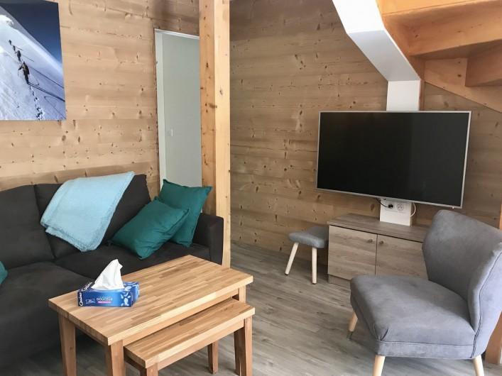 Location de vacances - Appartement à Saint-Sorlin-d'Arves - au bout du salon, la chambre des kids