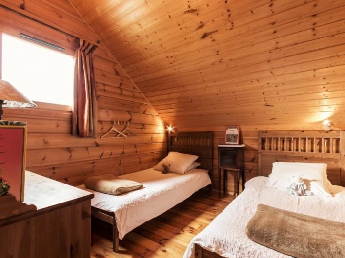 Location de vacances - Chalet à La Joue du Loup - Chalet Virginie - Chambre 2, 2 lits simples transformables en lit double