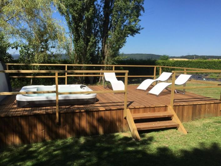 Location de vacances - Gîte à Corcieux - Le jacuzzi