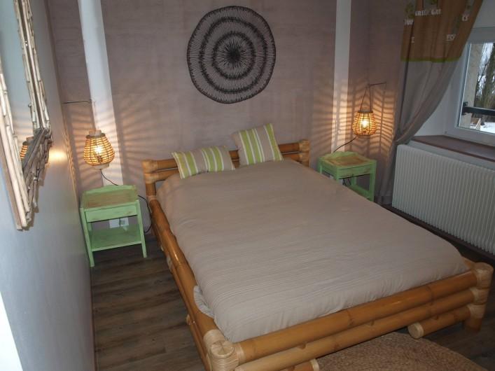 Location de vacances - Gîte à Corcieux - La chambre bambou à l'étage