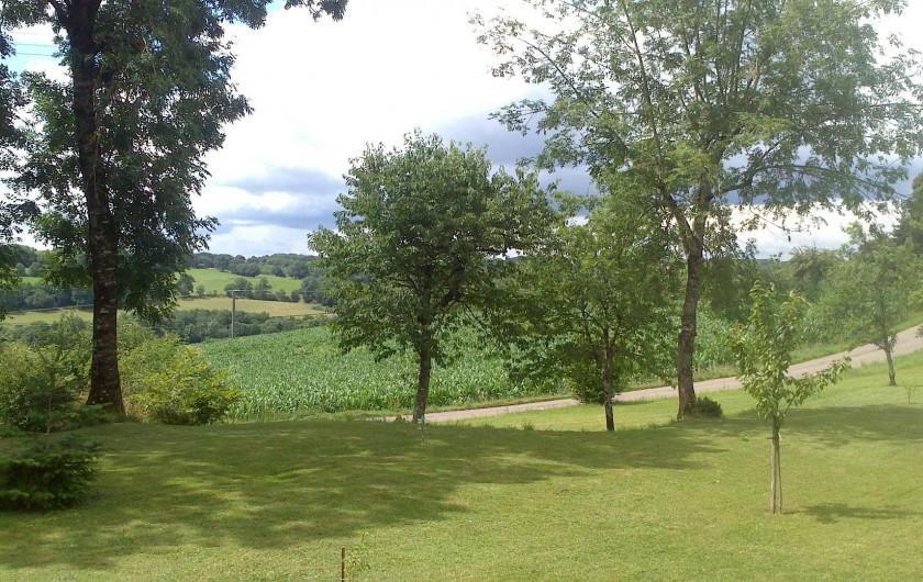 Location de vacances - Gîte à Corgnac-sur-l'Isle - Vue de la place du hameau
