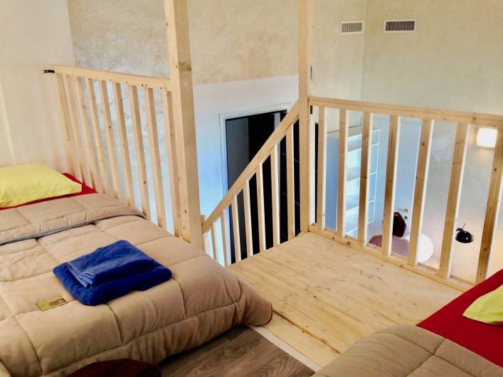 Location de vacances - Appartement à Monaco-Ville - l'autre lit du haut ds mezzanine escalier très facile à monter et descendre