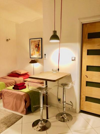 Location de vacances - Appartement à Monaco-Ville - coin repas 2 personnes