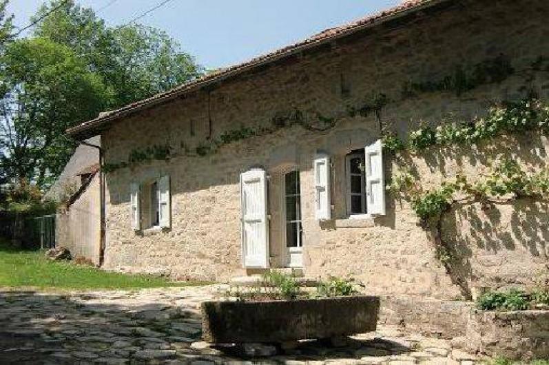 Location de vacances - Maison - Villa à Roumegoux - Entrée de la maison
