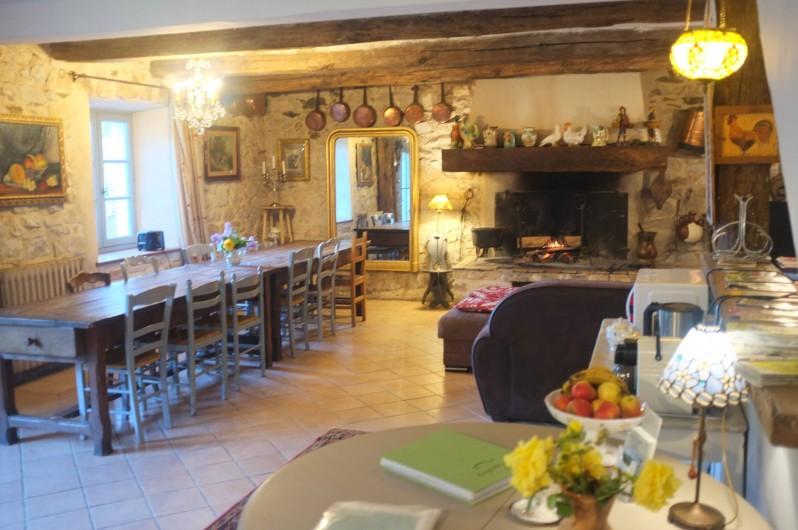Location de vacances - Mas à Courniou - La salle à manger