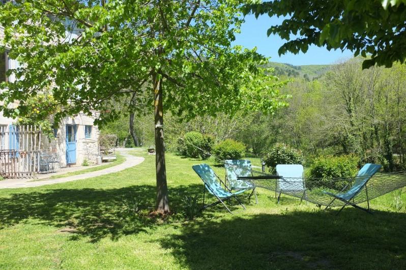 Location de vacances - Mas à Courniou - jardin