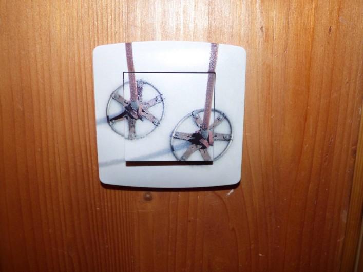 Location de vacances - Appartement à Pralognan-la-Vanoise - Nos boutons électriques, du pur savoyard !