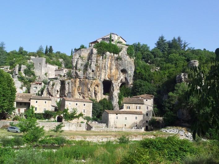 Location de vacances - Gîte à Saint-Alban-Auriolles - village remarquable de Labeaume à 6km