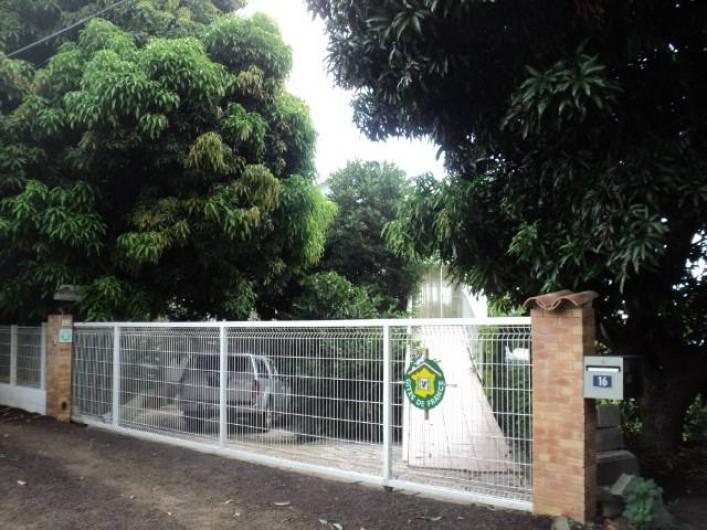 Location de vacances - Gîte à Bois De Nèfles - portail d'entrée