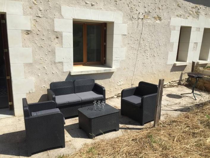 Location de vacances - Maison - Villa à Souvigny-de-Touraine - Terrasse côté champ