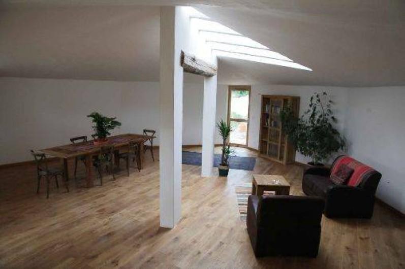 Location de vacances - Gîte à Saint-Saturnin-lès-Apt - Grand salon de 70 m2