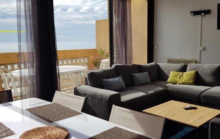 Location de vacances - Appartement à Le Barcarès - table salle à manger