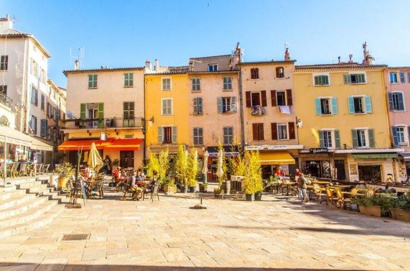 Location de vacances - Appartement à Hyères - Centre Ville d'Hyères