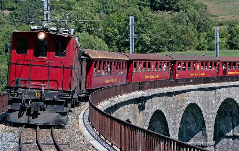 Location de vacances - Villa à Pierre-Châtel - le Petit train de la Mure