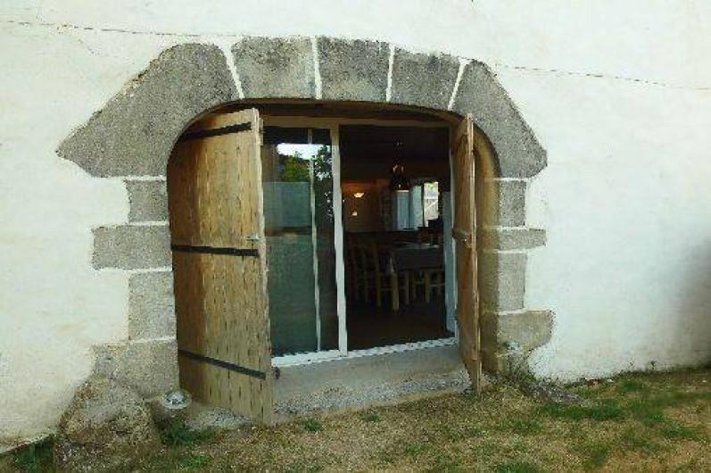Location de vacances - Gîte à Le Trioulou - entrée indépendante