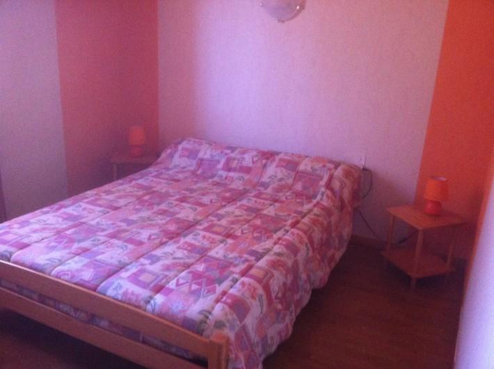 Location de vacances - Gîte à Vaour - chambre 2 : 1 lit double 140/190