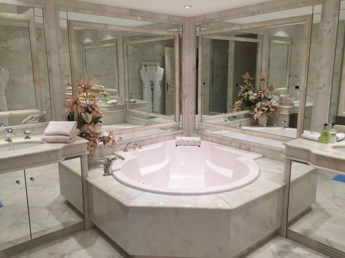 Location de vacances - Appartement à Cannes - Salle de bain