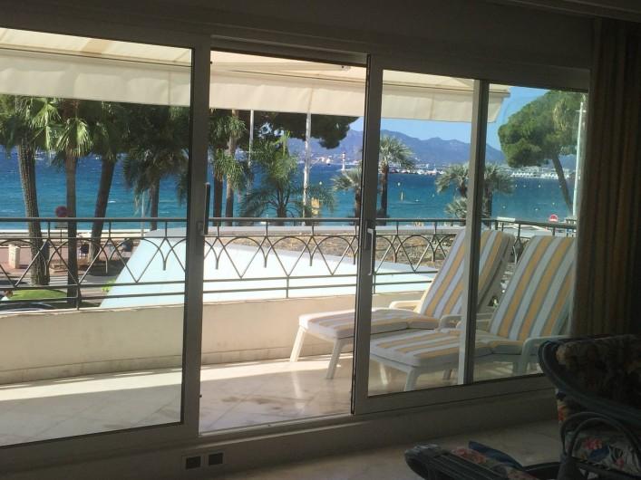 Location de vacances - Appartement à Cannes - Terrasse