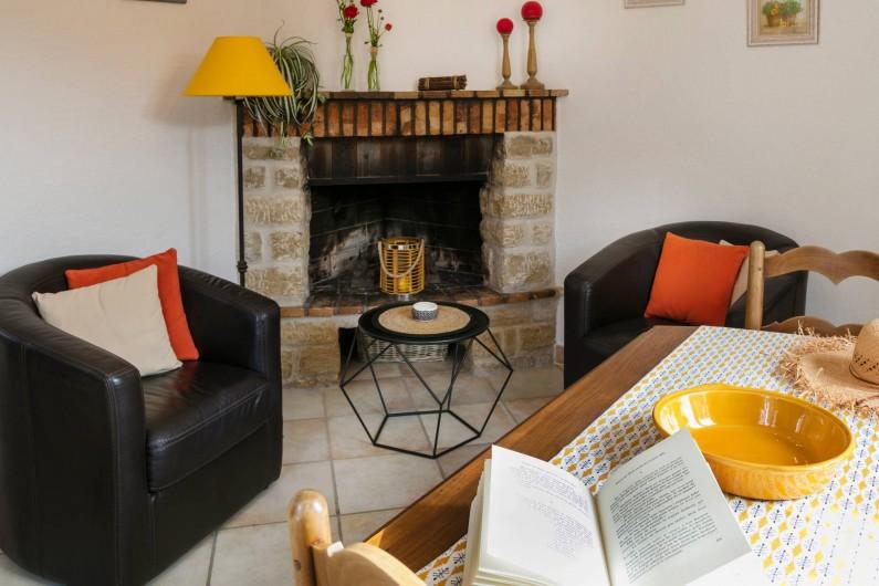 Location de vacances - Gîte à Crillon-le-Brave - Cheminée