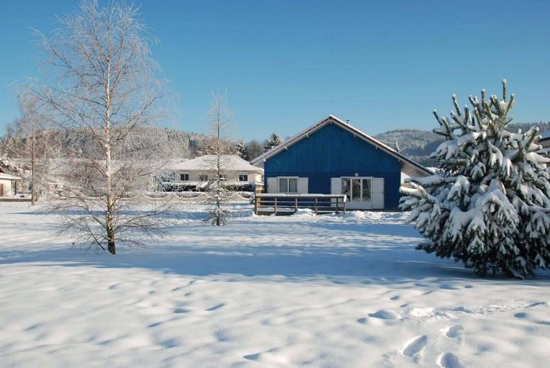 Location de vacances - Chalet à Saint-Léonard - Façade Ouest, côté jardin