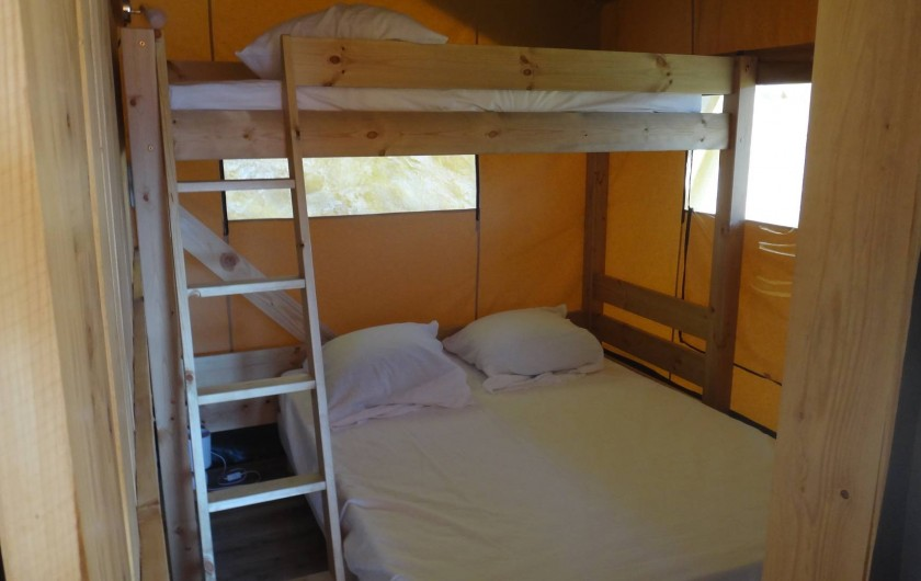 Location de vacances - Gîte à Chirols - La chambre enfants