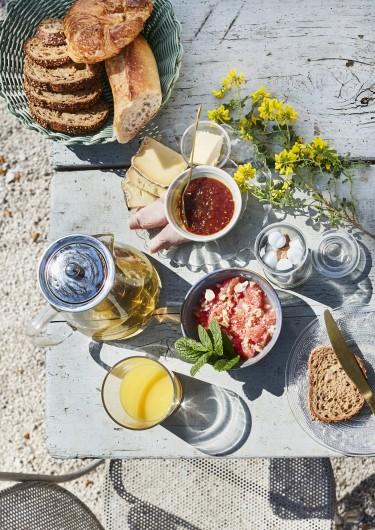 Location de vacances - Gîte à Uchaux - Le petit-déjeuner fait avec des produits de saison