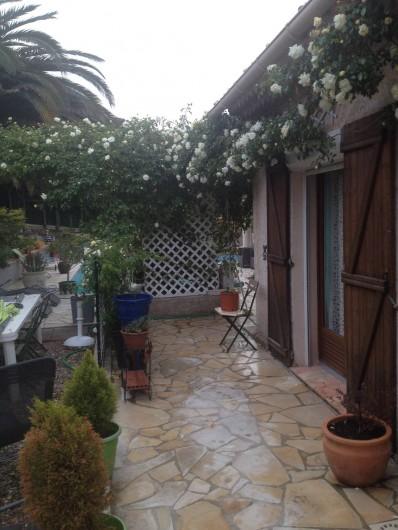 Location de vacances - Villa à Fréjus - terrasse sortie chambre