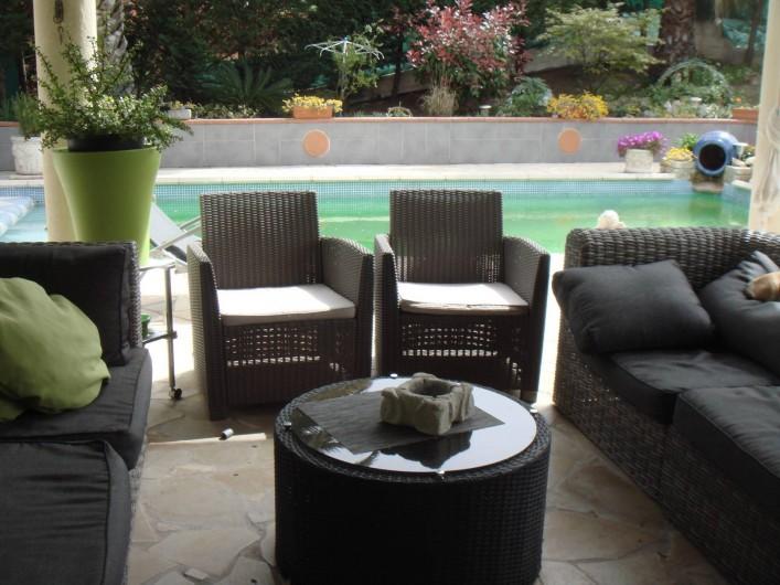 Location de vacances - Villa à Fréjus - salon terrasse