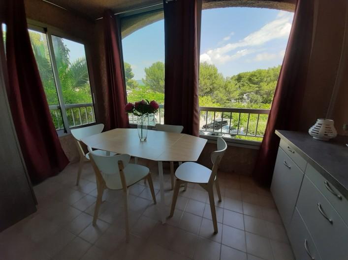 Location de vacances - Studio à Sanary-sur-Mer - Coin repas