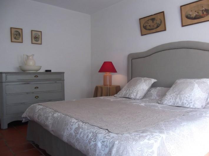 Location de vacances - Mas à Narbonne - Chambre lit en 180 de largeur