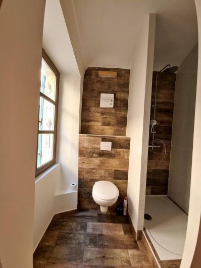 """Location de vacances - Appartement à Saint-Montan - Appartement """"VEPRES"""" salle d'eau Wc"""