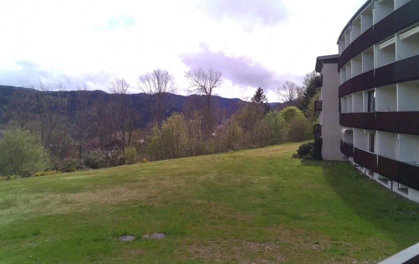 Location de vacances - Studio à Gérardmer - vue depuis le balcon